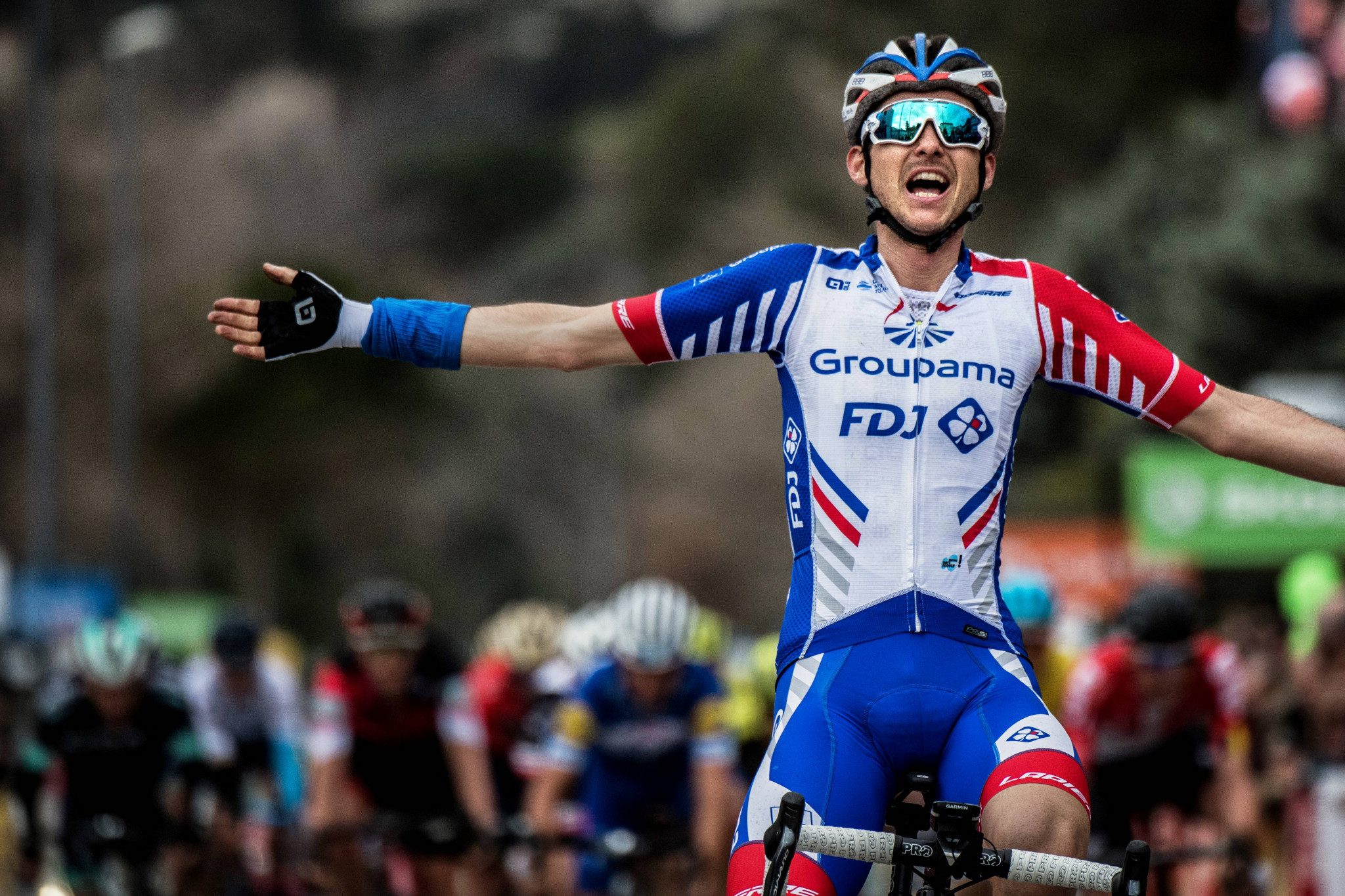 Molard wins stage six of Paris-Nice after late attack