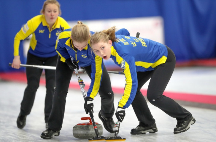Defending women's champions Sweden reached the final of the World Junior Curling Championships in Aberdeen, where they will now meet Canada for the gold medal ©WCF
