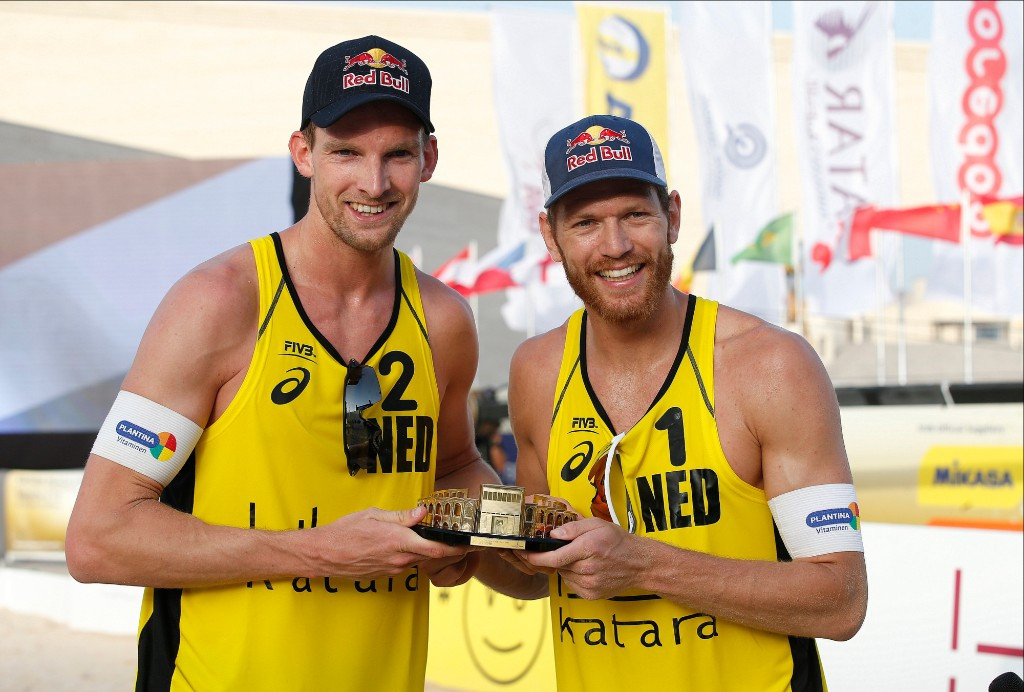 Brouwer and Meeuwsen back on gold standard in FIVB Beach World Tour in Doha