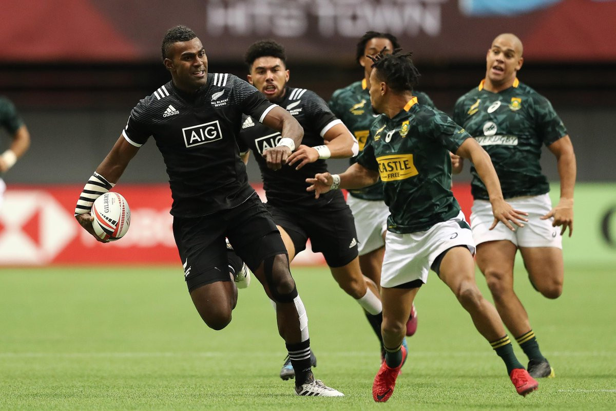 Fiji and New Zealand advance to World Rugby Sevens Series quarter-finals with unbeaten records