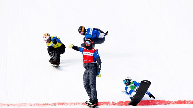 Visintin earns photo finish team win as rivals celebrates too soon in FIS Snowboard Cross World Cup at Moscow