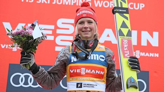 Maren Lundby was a popular home winner in the FIS Ski Jump World Cup at Oslo ©FIS