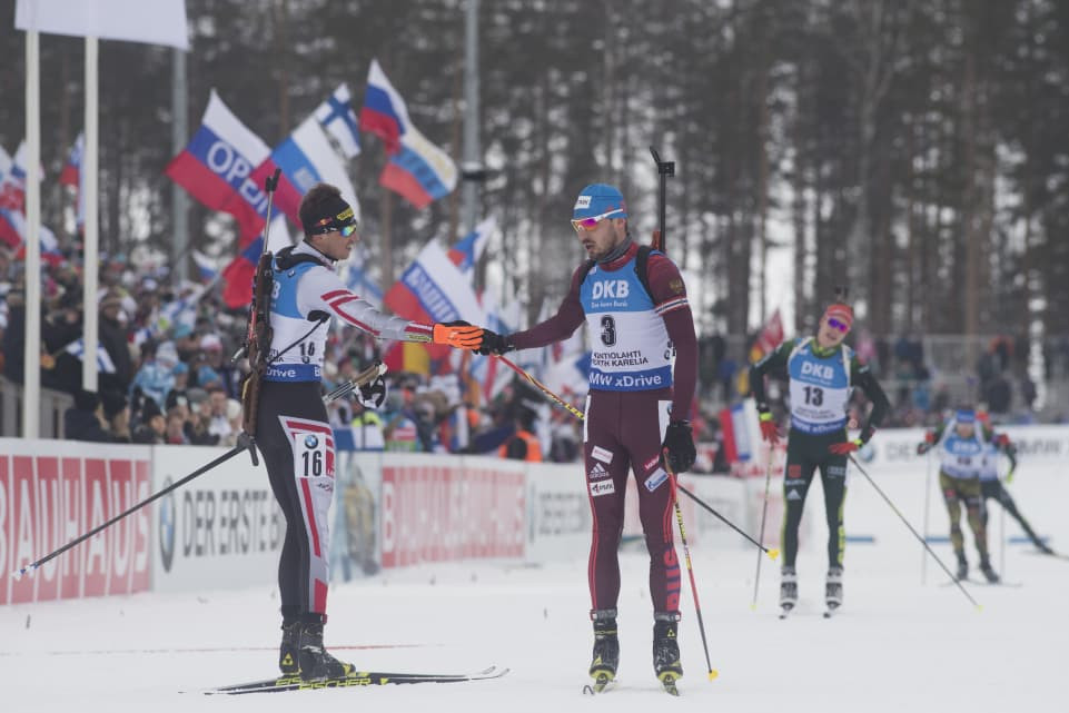Eberhard wins IBU World Cup mass start race in Kontiolahti after Shipulin hits the deck