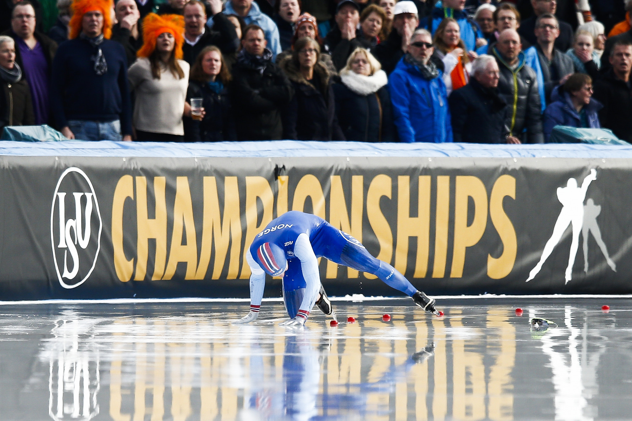 Roest takes ISU World Allround Speed Skating title as Pedersen crashes out in Amsterdam