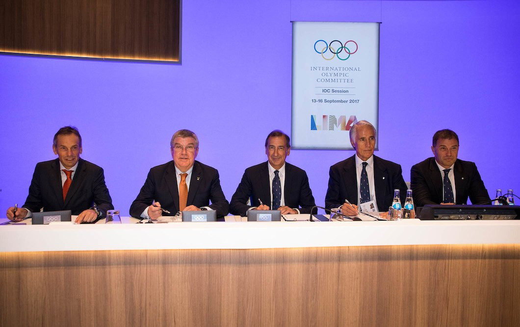 A contact was signed for Milan to host the 2019 IOC Session last year ©IOC