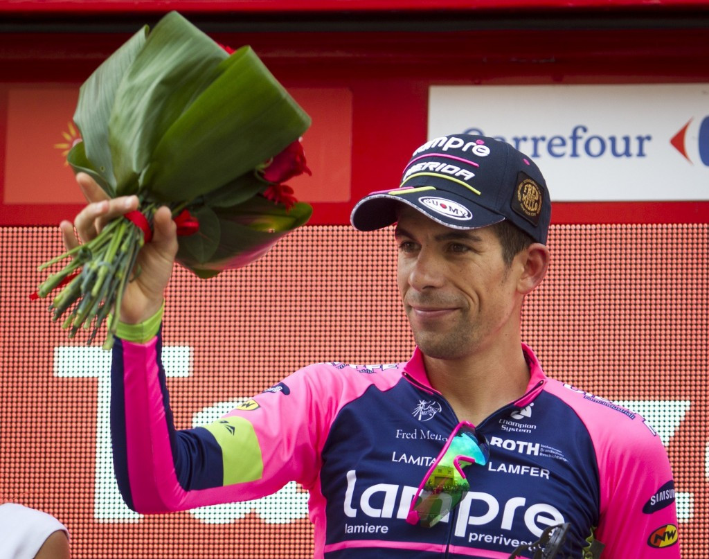 Oliveira escapes breakaway to win stage 13 of Vuelta a España in Tarazona