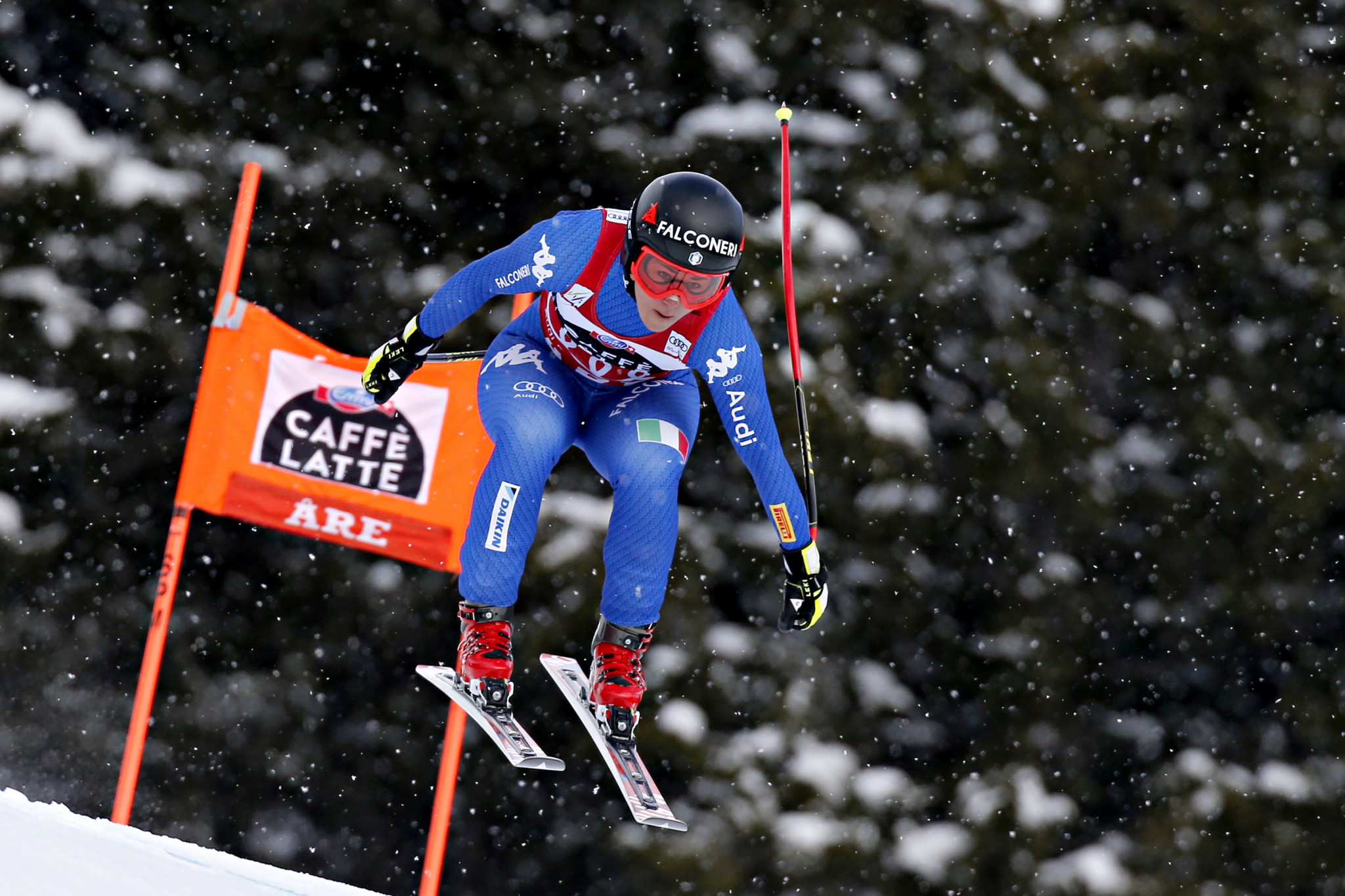 Beat Feuz claims downhill title; Austrians tie for race win