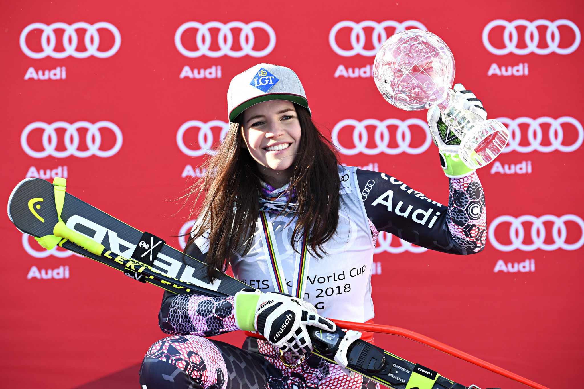 Weirather defends overall super-G title at FIS Alpine Skiing World Cup