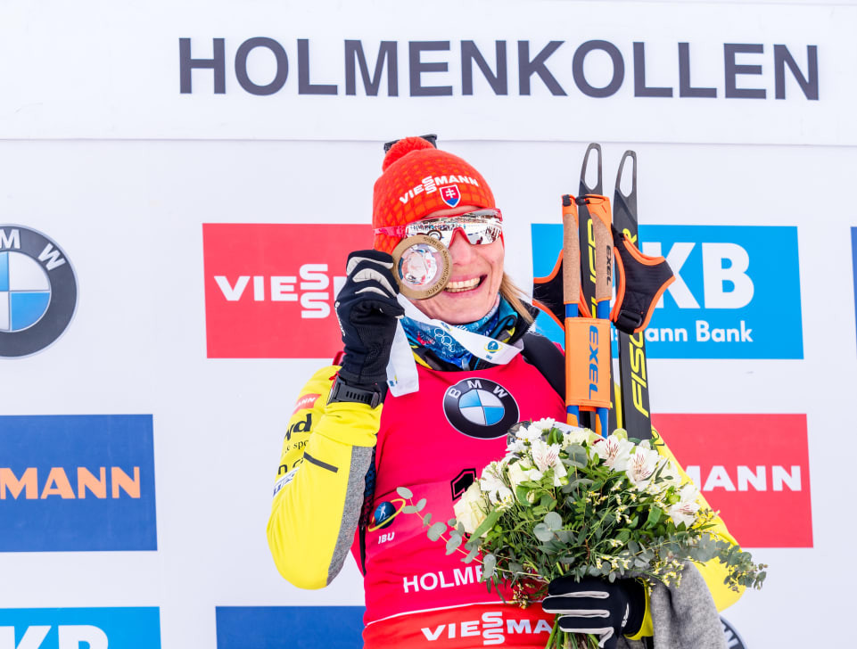 Kuzmina takes overall women's lead with sprint victory at IBU World Cup in Holmenkollen
