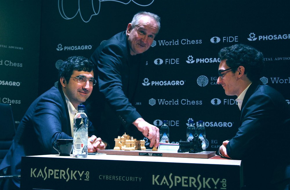 Caruana retains top spot after draw with Karjakin at FIDE Candidates Tournament