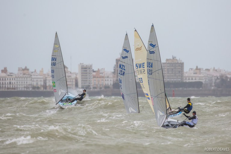 """Wright wins """"crazy race"""" to earn second Finn European title in huge winds and waves"""