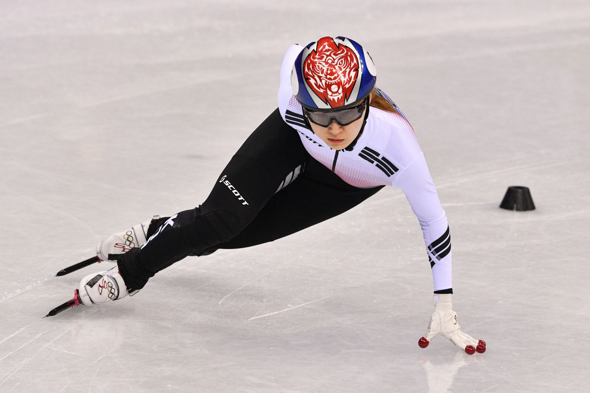 South Korea's Choi claims double gold at World Short Track Speed Skating Championships