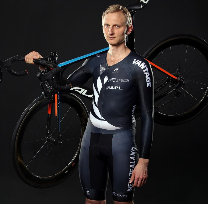 Rower-turned-cyclist Bond to warm up for Gold Coast 2018 time trial at Oceania Road Championships