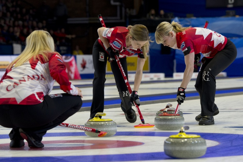 Canada overcame the United States 9-7 to join Sweden in the final ©WCF