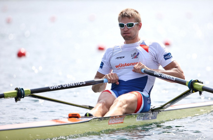 Ondrej Synek of the Czech Republic defended his men's single sculls title with a narrow win over New Zealand's Olympic champion Mahe Drysdale ©Getty Images