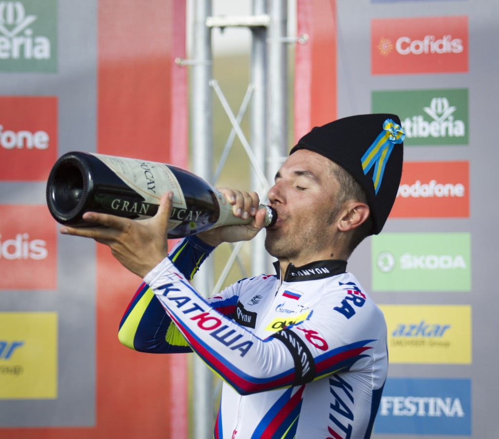Rodriquez closes on leader Aru after earning Vuelta a España stage 15 win