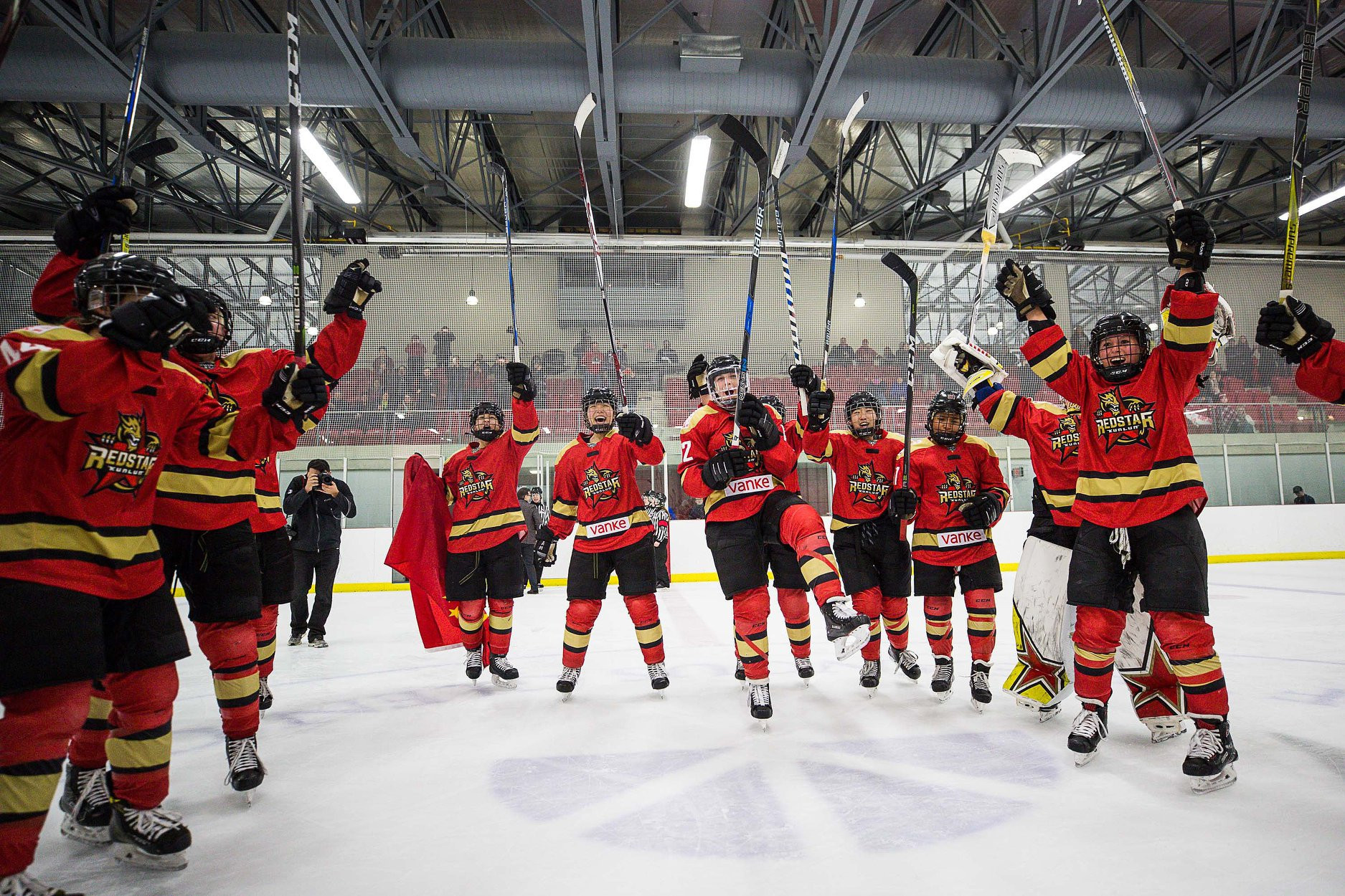 Chinese team's impressive performance in Canadian Women's Hockey League boosts Beijing 2022 hopes