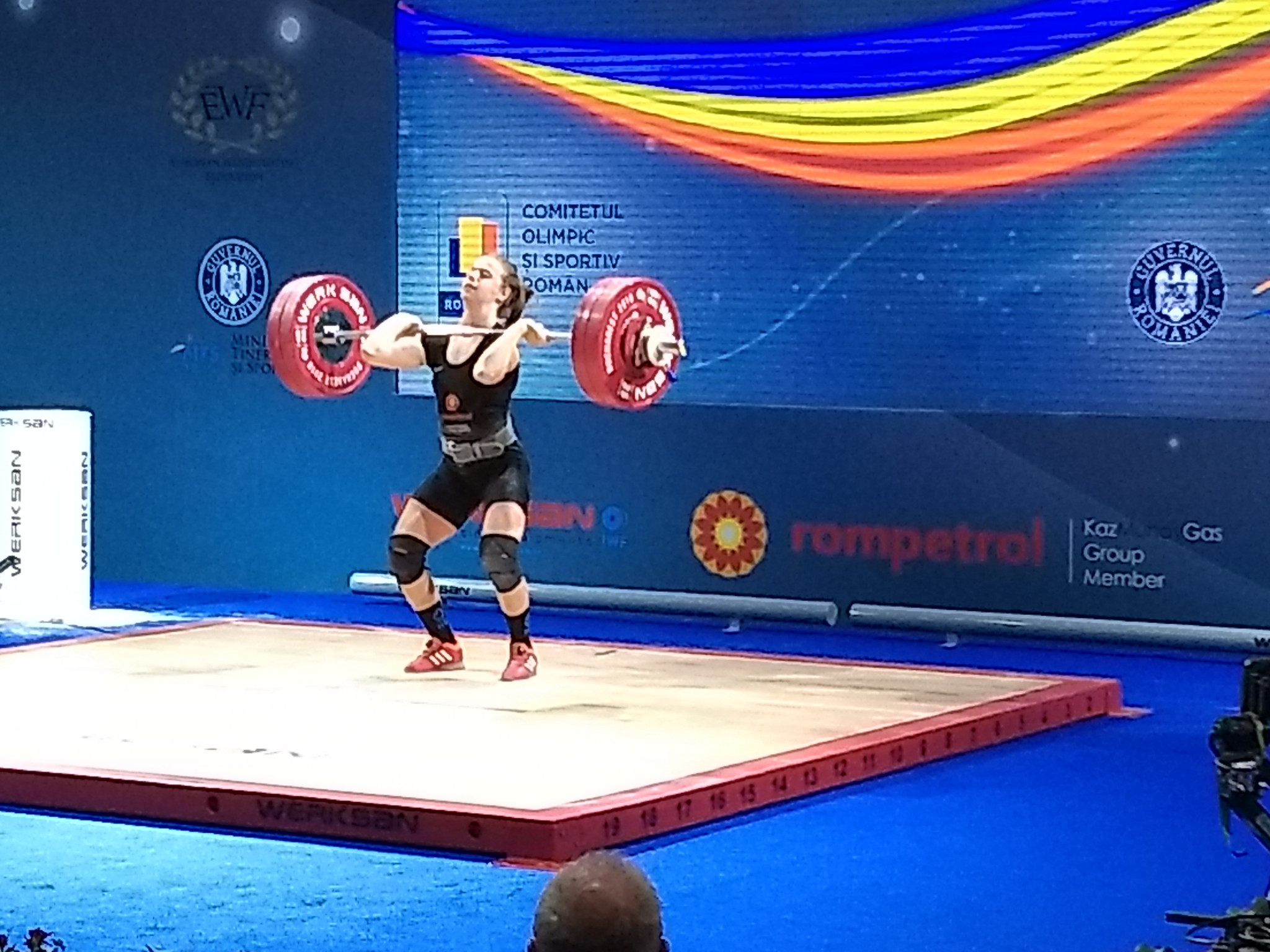 Olympic heroes Szabo and Damian lend support as Romania sets weightlifting record - as fastest hosts