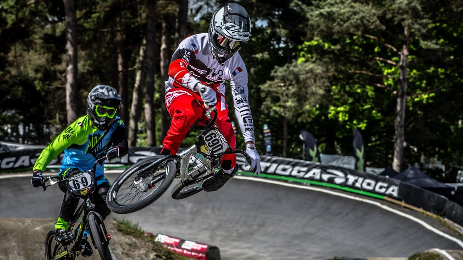 André starts defence of BMX Supercross World Cup title on home ground