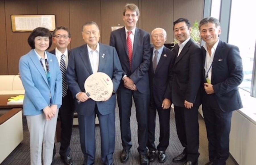 Thomas Weikert outlined his proposal to Yoshiro Mori at Tokyo 2020 headquarters ©ITTF