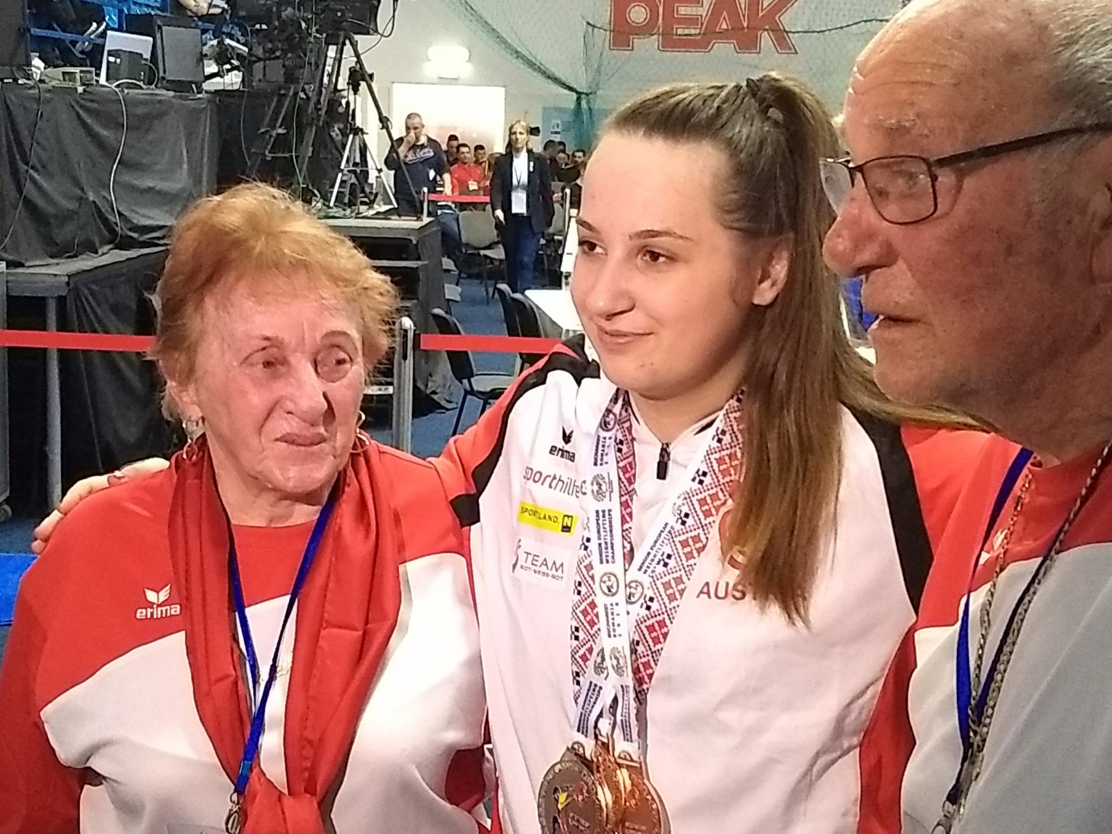 Austrian teenager Sarah Fischer was supported by her family as she won the silver medal in the 90kg class ©Brian Oliver/ITG