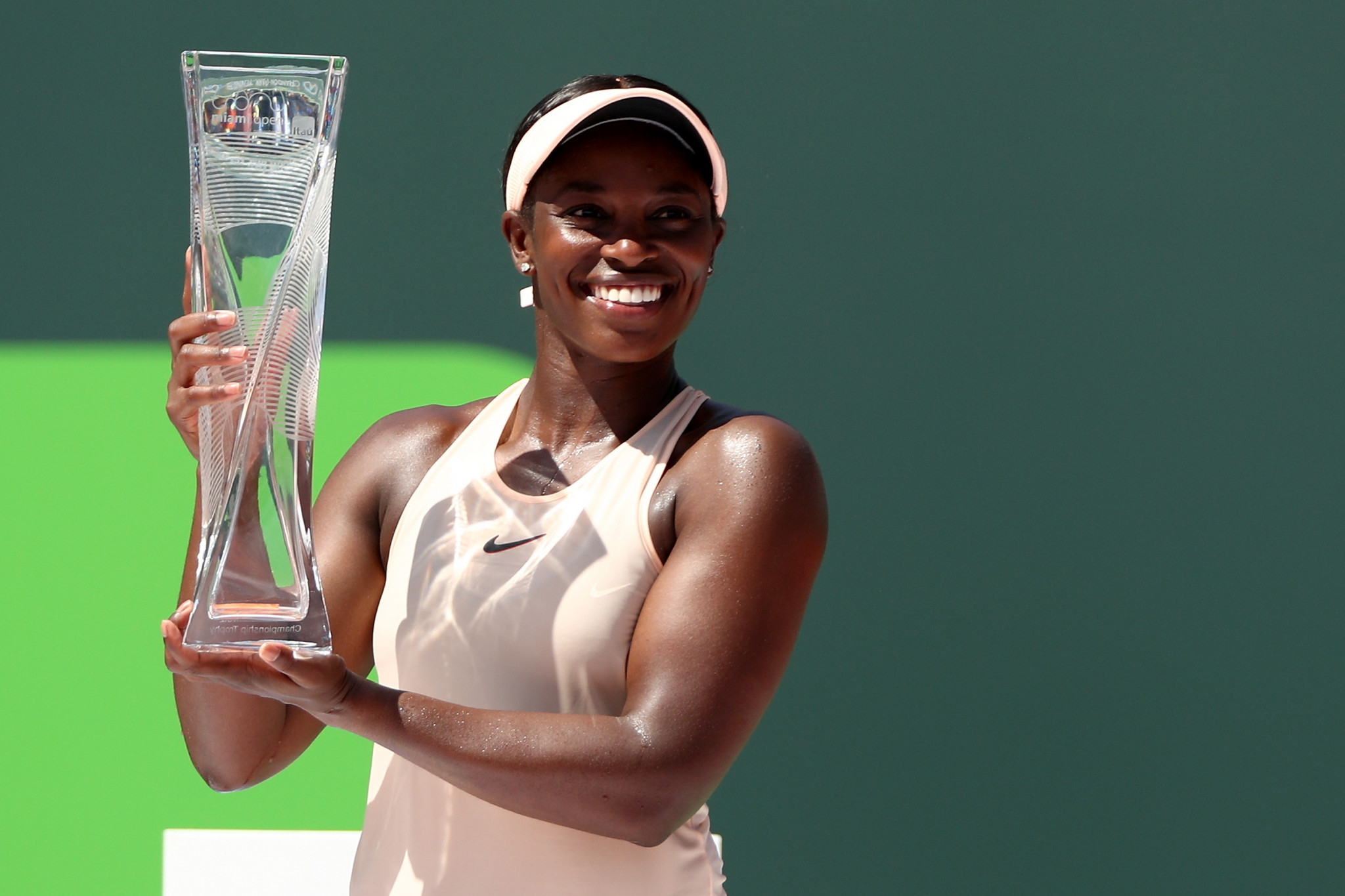 Stephens beats Ostapenko to clinch women's title at Miami Open