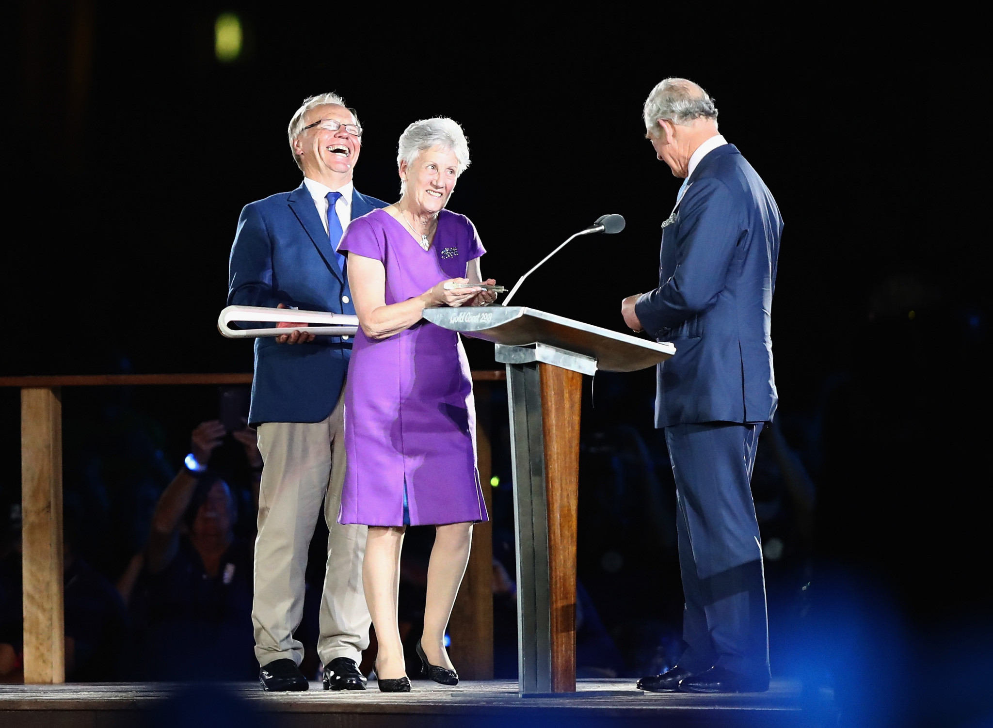 Prince Charles declared the Commonwealth Games in the Gold Cost open after receiving the message written by his mother contained inside the Queen's Baton from Louise Martin following a slight delay©Getty Images