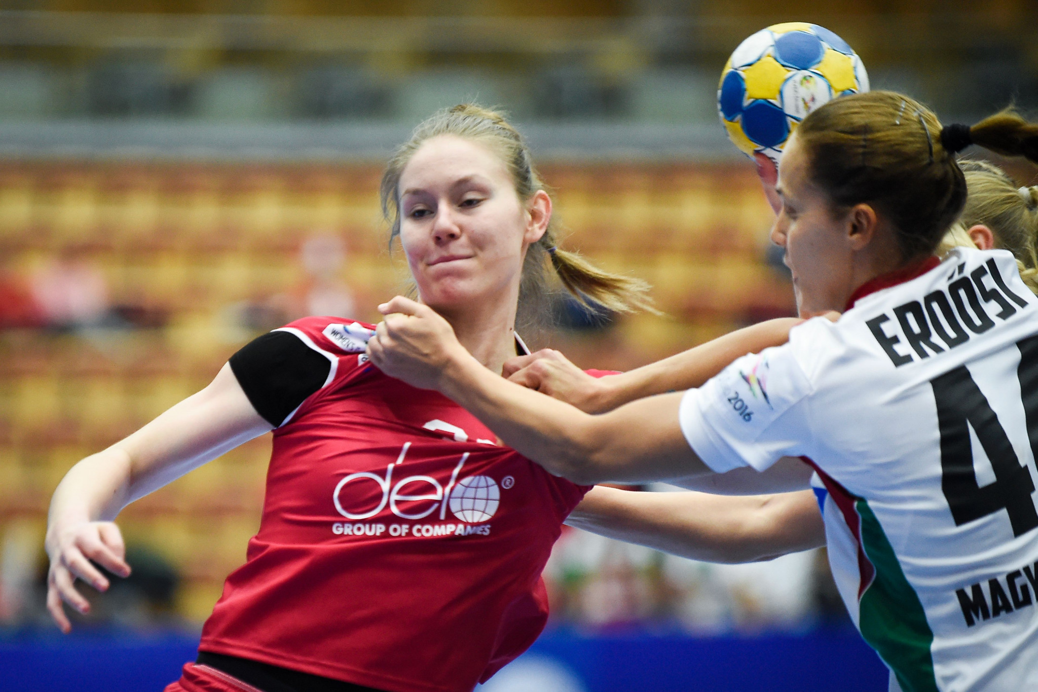 Antonina Skorobogatchenko, in red, is one of three Russian teenage handball players to be suspended for 20 months following a positive drugs test for meldonium ©Getty Images