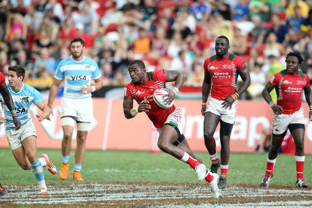 Kenya's Willy Ambaka, pictured playing against Argentina, scored his 100th try in the World Rugby Sevens Series in a 33-10 win over Canada ©World Rugby