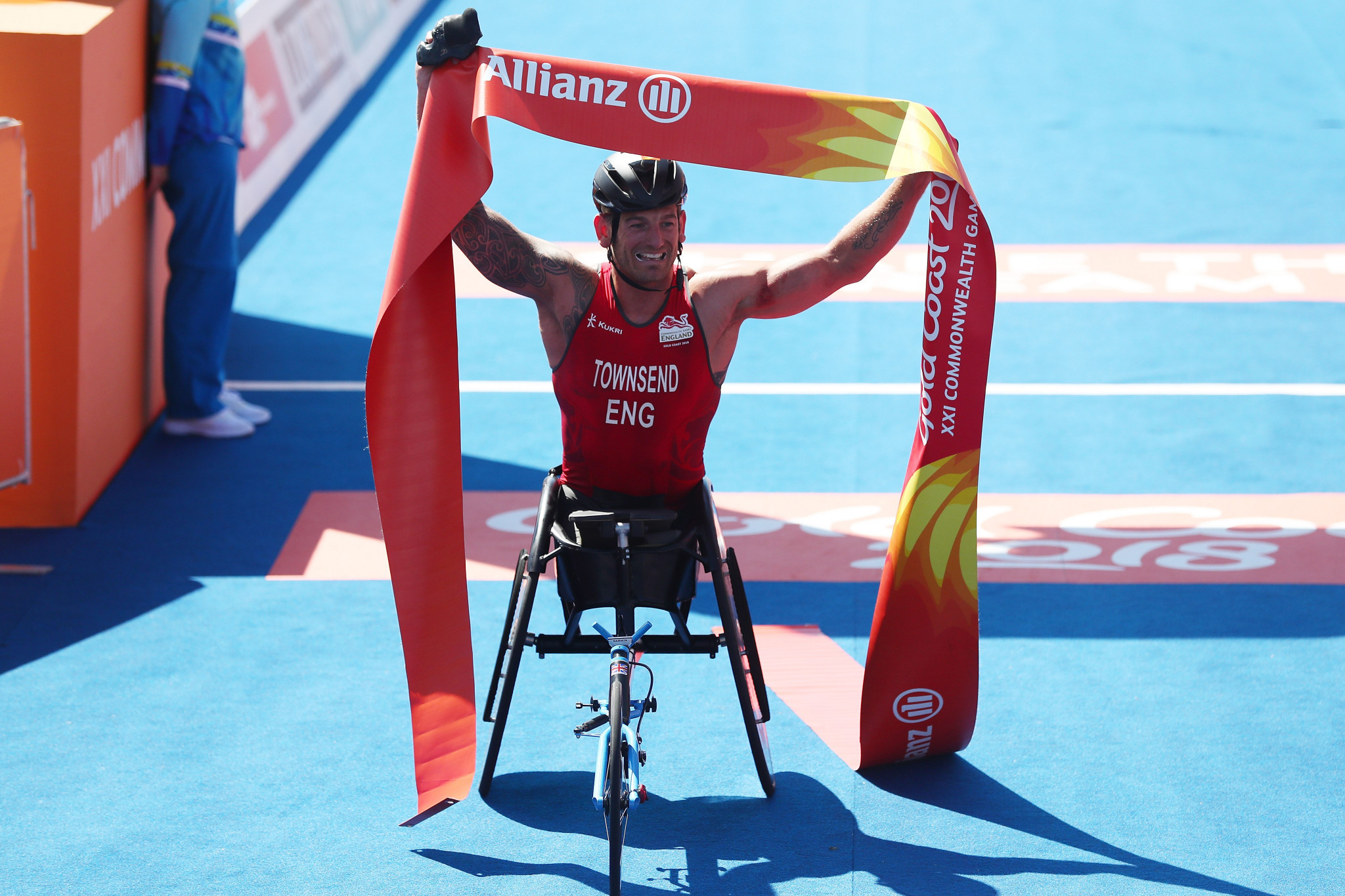 Townsend and Jones avoid crashes to claim English Paratriathlon double at Gold Coast 2018