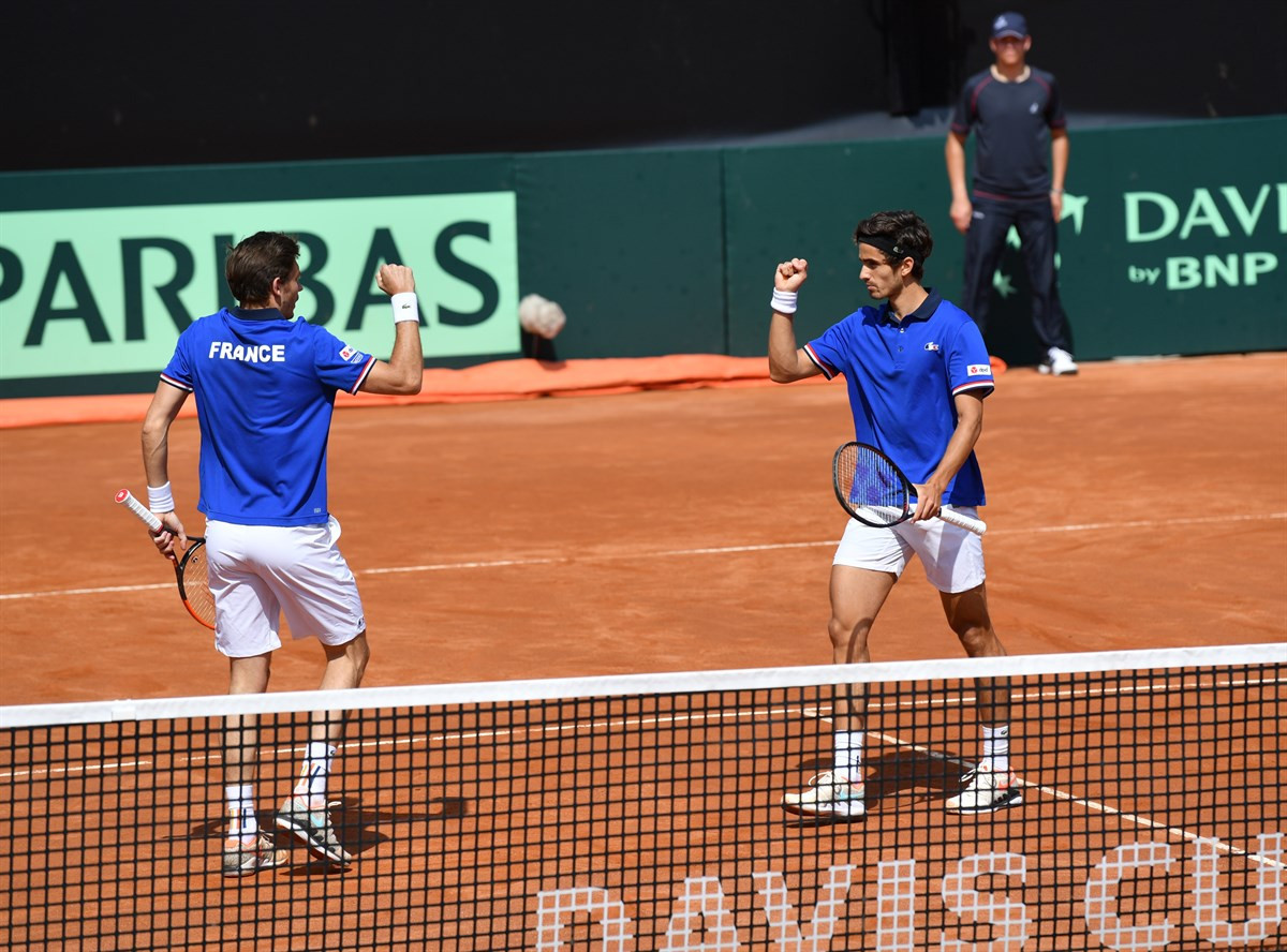 Defending champions France take control of Davis Cup tie with doubles victory