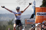 Van der Breggen takes Women's Road World Cup lead after victory at Flèche Wallonne