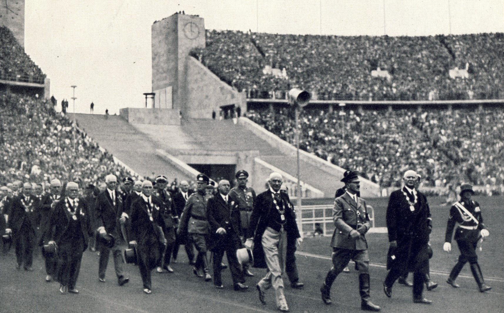 Hitler arrives at the 1936 Olympic Stadium ©Olympia