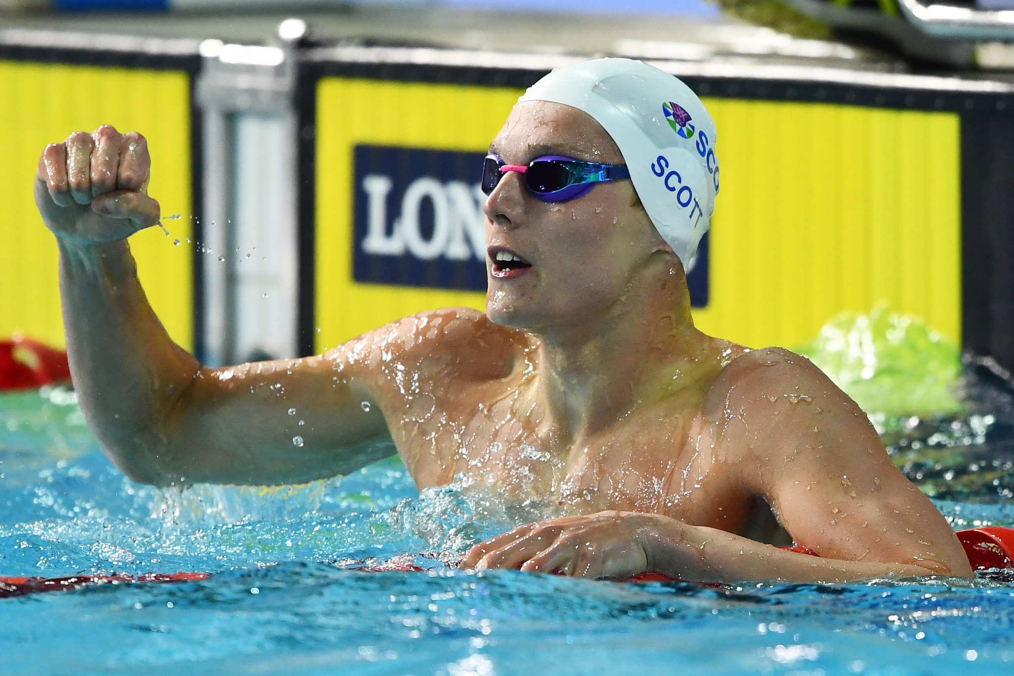 Sensational Scott tears up script with 100m freestyle triumph at Gold Coast 2018
