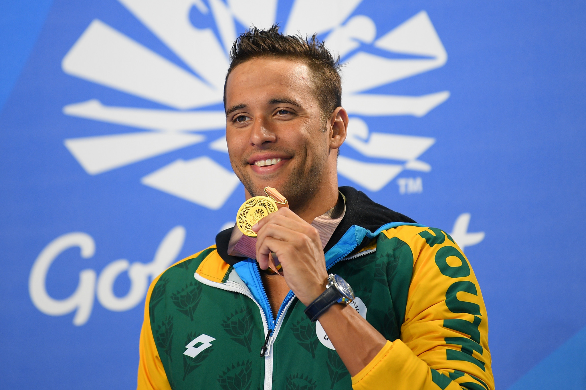 SA's Van der Burgh wins gold in 50m breaststroke