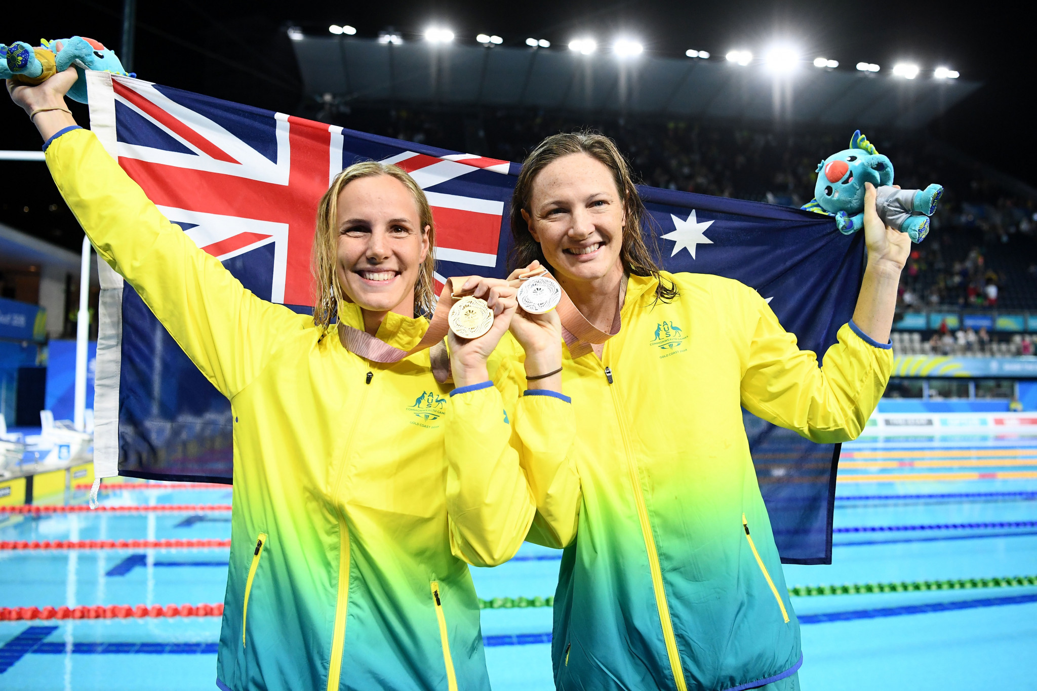 Bronte beats sister Cate as Van der Burgh stuns Peaty on thrilling night of swimming at Gold Coast 2018