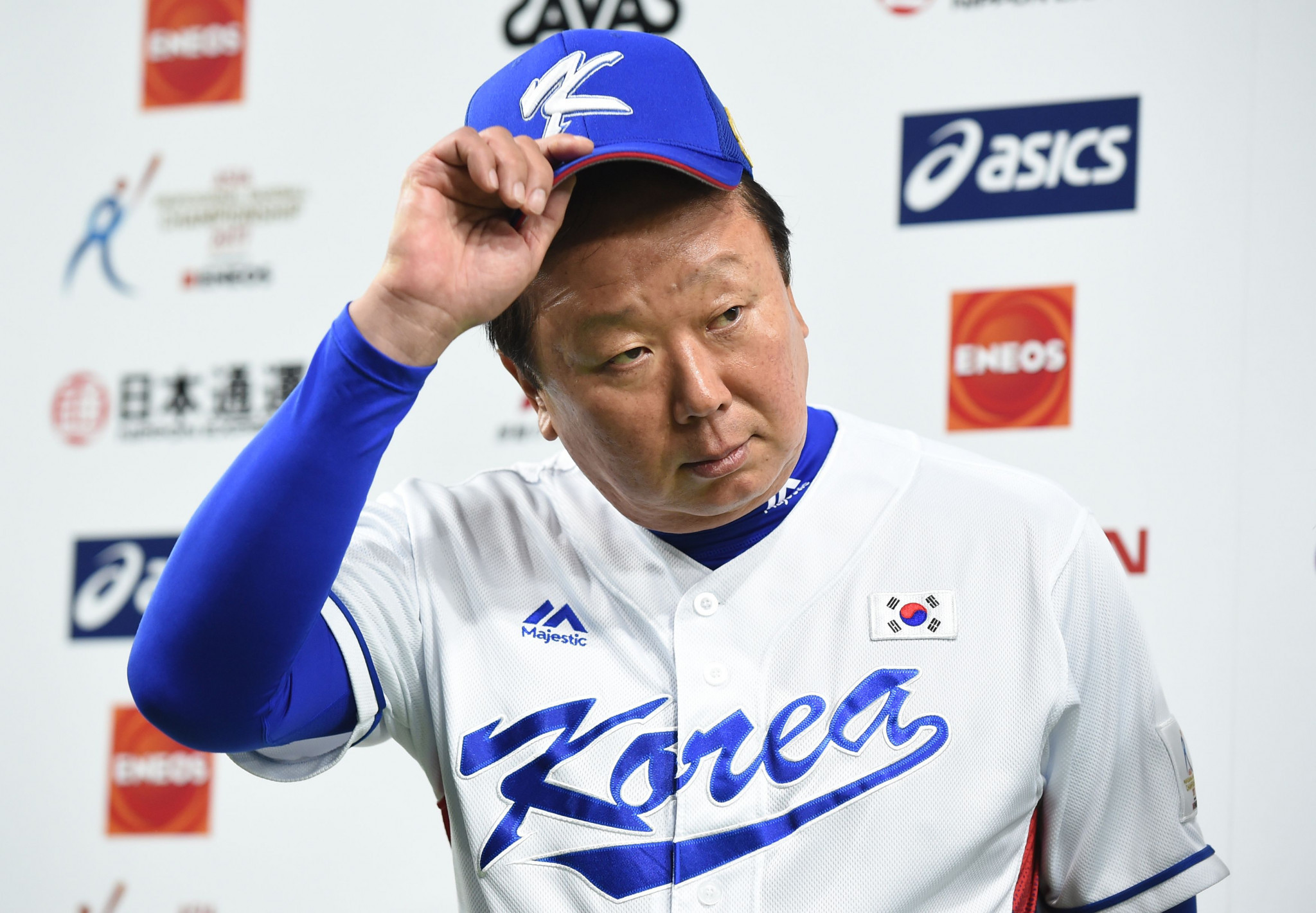 South Korea's baseball manager says he will disregard players' military status when picking Asian Games squad