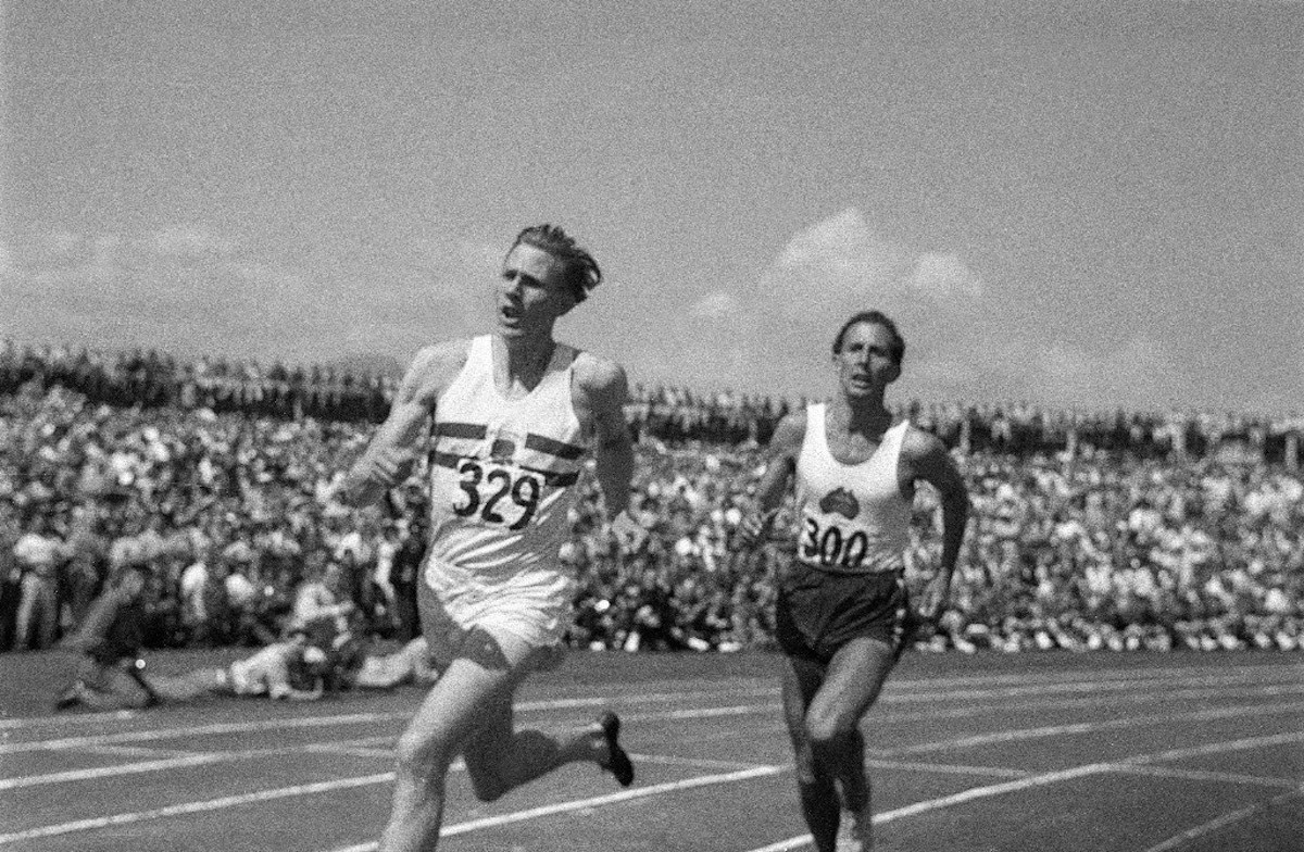 "1. Roger Bannister beats John Landy in the ""Miracle Mile"" at Vancouver 1954"