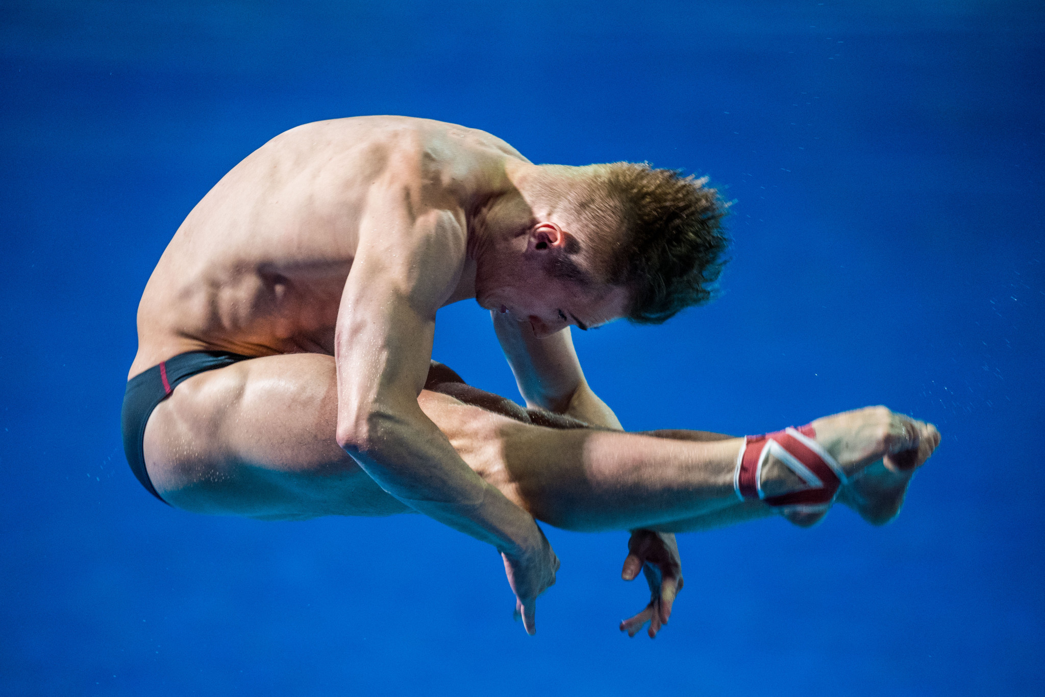 Laugher defends Commonwealth Games title on opening day of diving at Gold Coast 2018