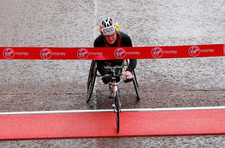 Tatyana McFadden continued her dominance of the women's T53/54 wheelchair event with her third straight London Marathon victory