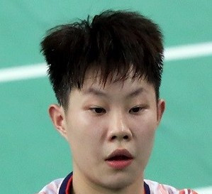 China's Liu Xuanxuan, pictured, and Guo Xinwa caused a shock in the final of the mixed doubles event at the BWF Lingshui China Masters ©BWF