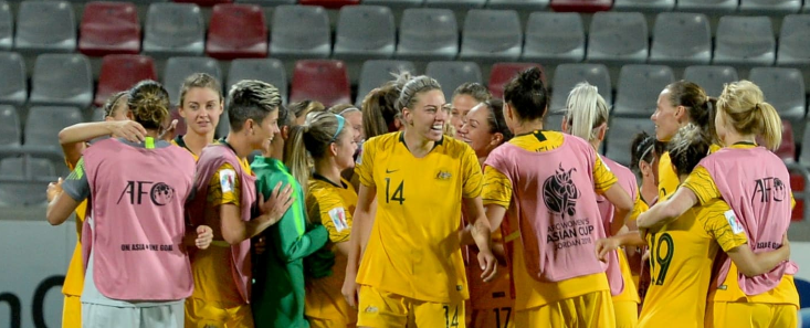 Arnold villain then heroine as Australia beat Thailand in shoot-out to meet Japan in Women's Asian Cup final