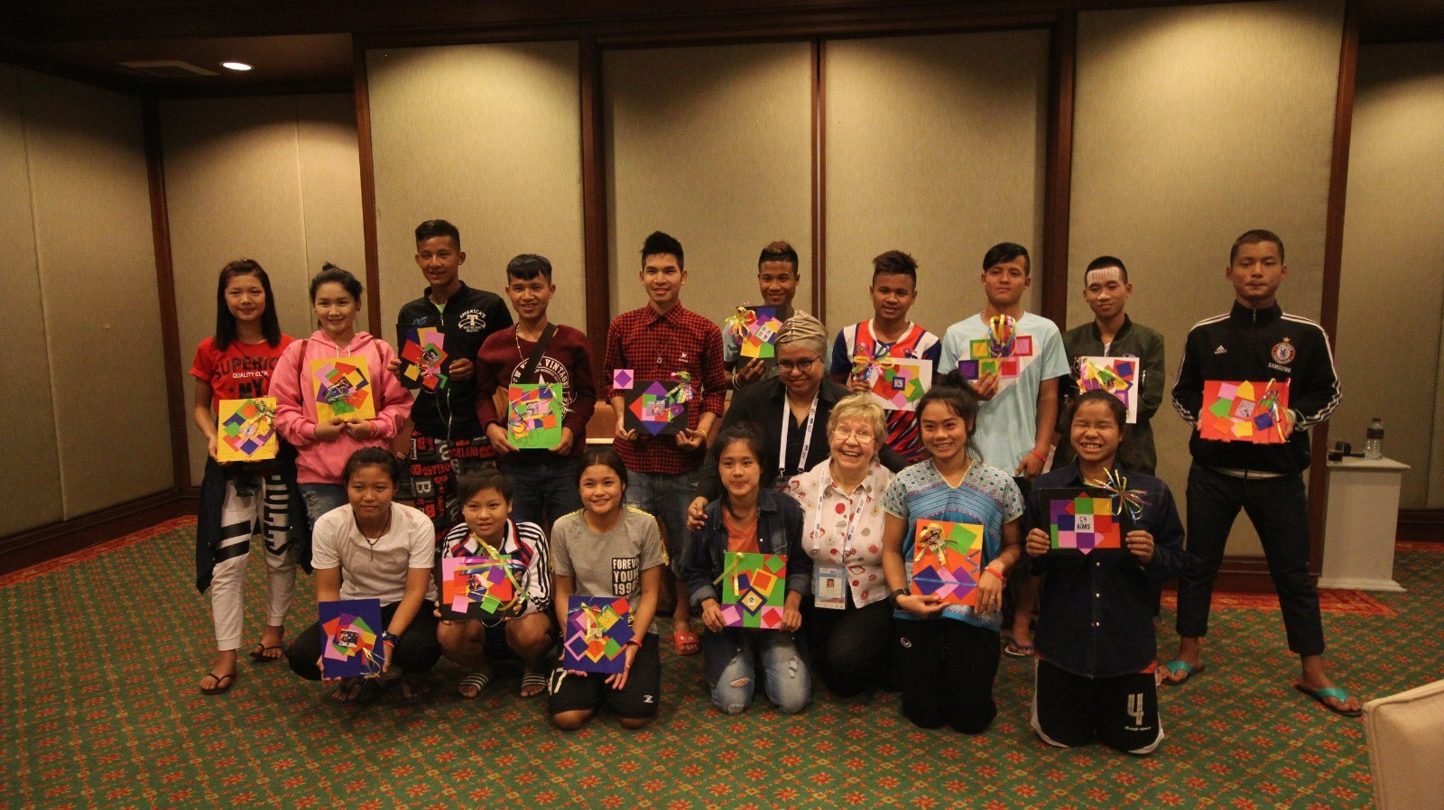 IFMA and AIMS have invited displaced children to create sport-related crafts©IFMA