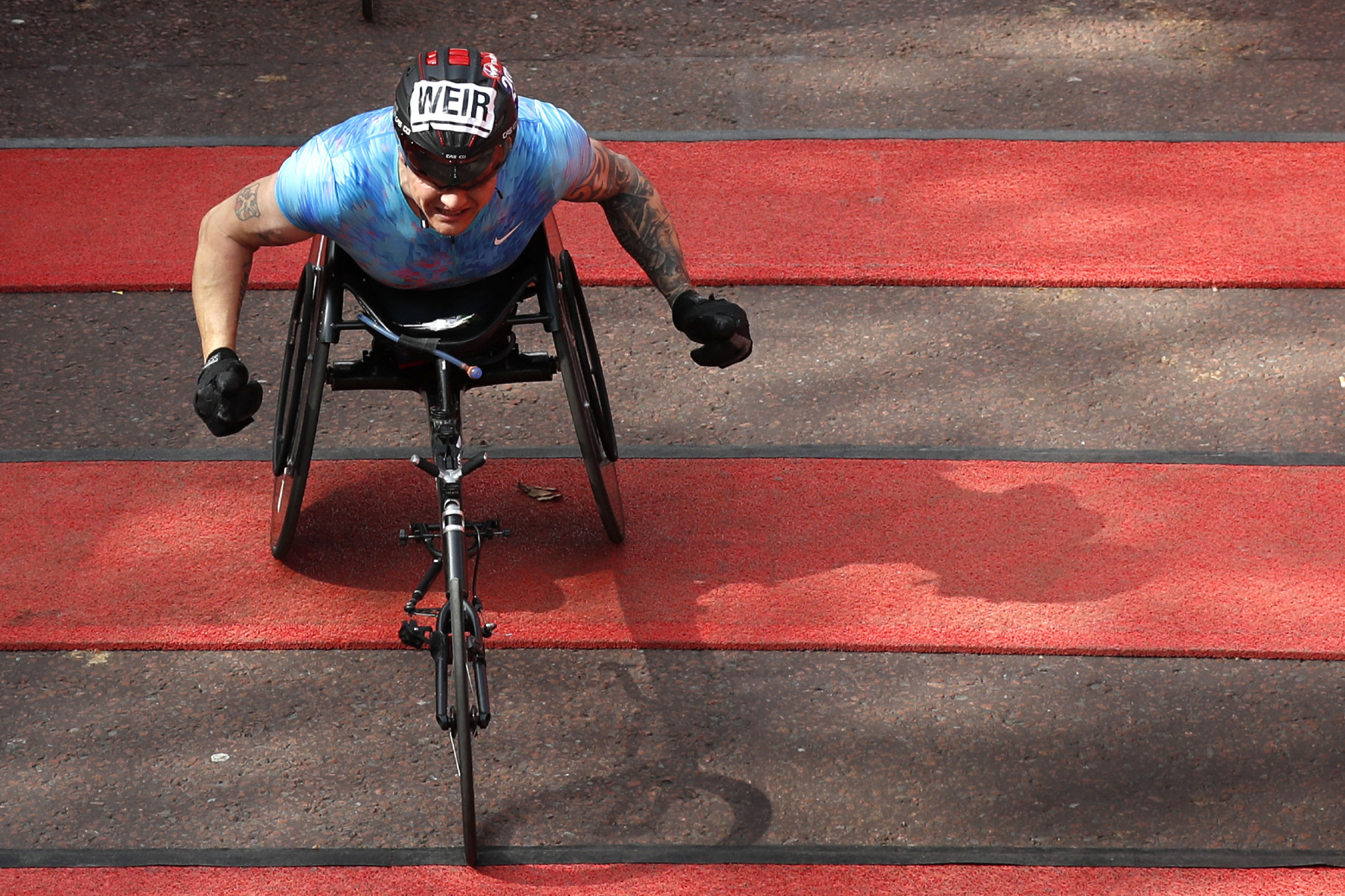 Weir secures eighth wheelchair victory as De Rozario claims shock win at London Marathon