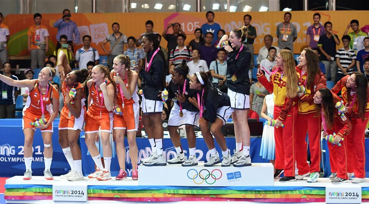 The US 3x3 women's team celebrate their gold medal in the Summer Youth Olympic Games at Nanjing 2014 ©FIBA