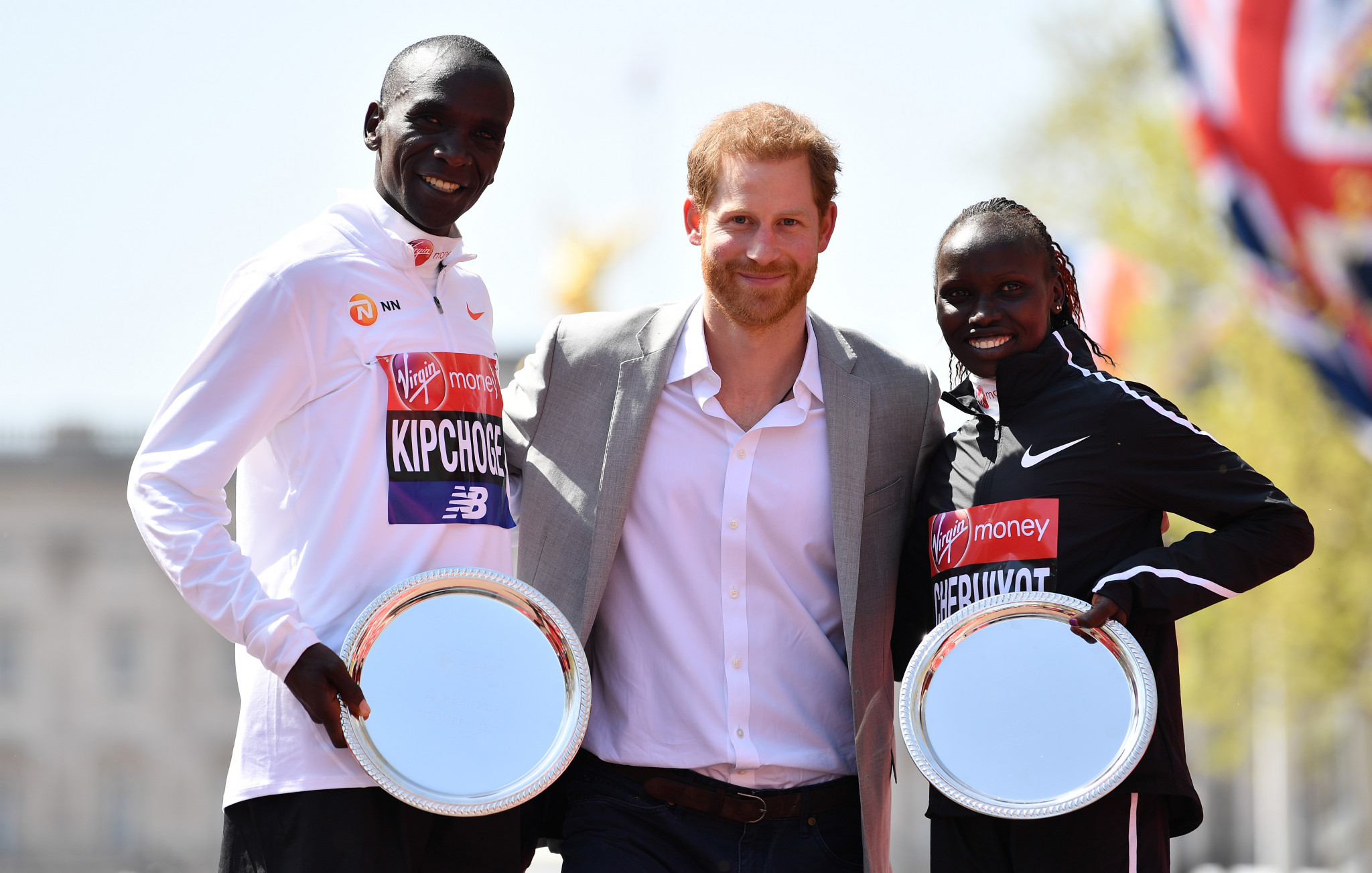 Eliud Kipchoge and Vivian Cheruiyot won the Virgin London Marathon titles ©Getty Images