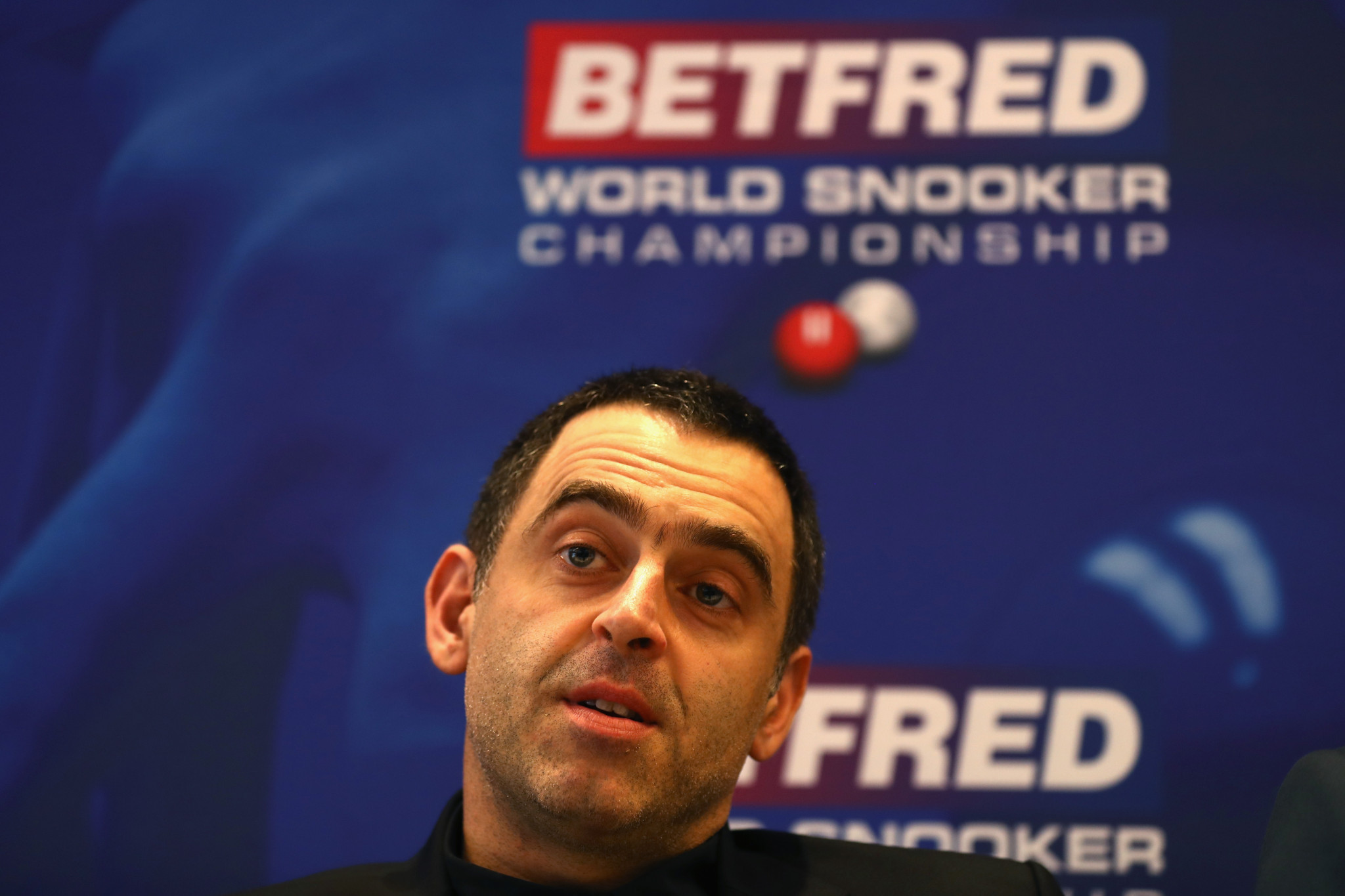 O'Sullivan fights back to beat Maguire at World Snooker Championship