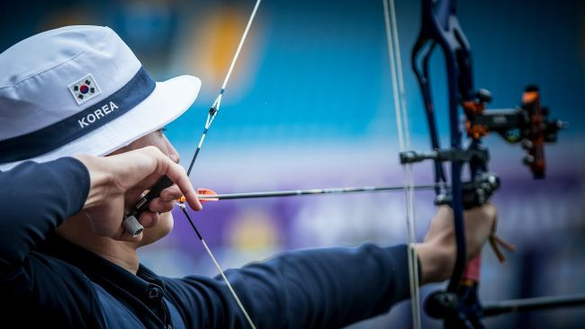 Three men tied in compound qualification at 2018 Archery World Cup