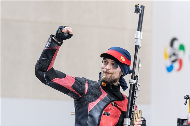 Sergey Kamenskiy claimed gold in today's men's 50m rifle 3 positions competition ©ISSF