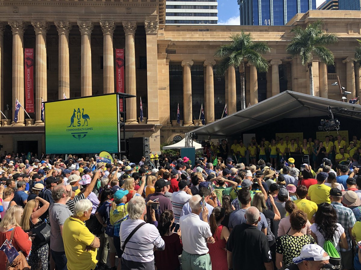 People turned out in their numbers to honour the Australian athletes ©Team Quirk/Twitter